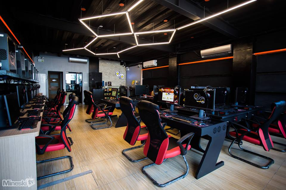 6 Drool Worthy Gaming Hubs That Take High End Gaming To